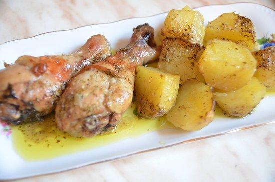 chicken-legs-potatoes